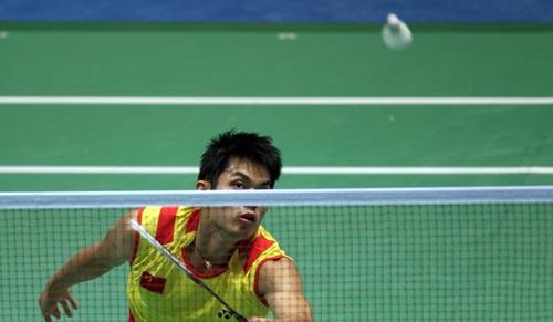 图文-中国羽毛球队进行赛前训练 世界第一风采十足