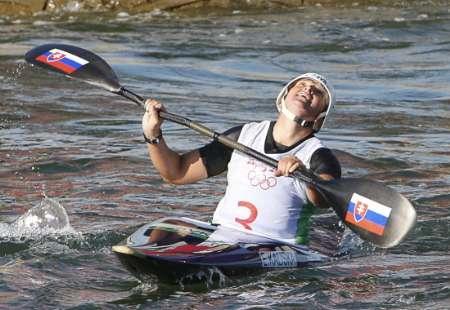 图文-皮划艇激流回旋女子单人 斯洛伐克女将卫冕