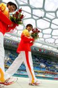图文-跳水女子双人10米台决赛 王鑫陈若琳闪耀赛场