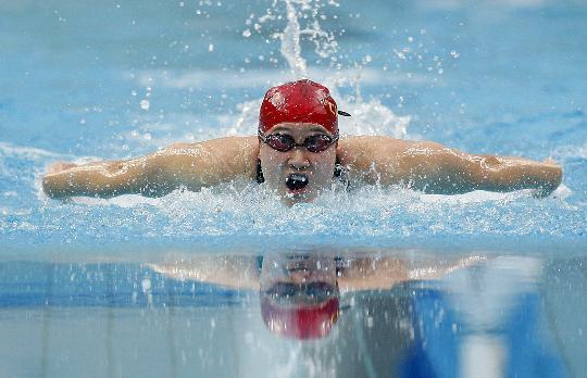 图文-刘子歌女子200蝶破世界纪录夺冠 水上蝴蝶