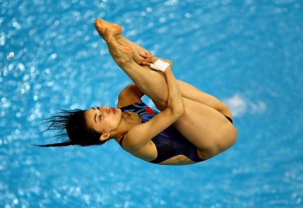图文-跳水女子三米跳板决赛 郭晶晶空中翻转