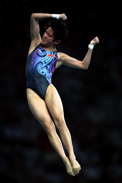 图文-奥运女子10米跳台决赛 陈若琳姿势很优美