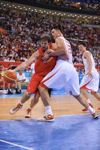 图文-西班牙男篮85-75中国男篮 加索尔单挑姚明