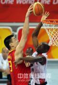 图文-[奥运会]中国男篮85-68安哥拉 姚明篮下无敌