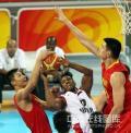 图文-[奥运会]中国男篮85-68安哥拉 阿联精彩封盖