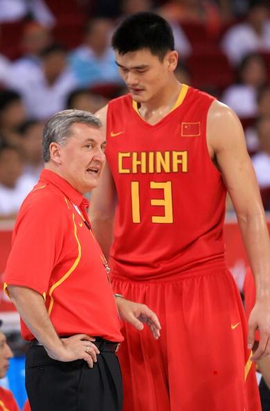 图文-[奥运]中国男篮77-91希腊 尤帅给姚明布置