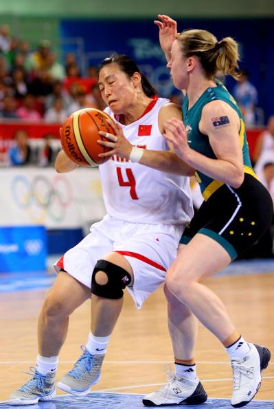 图文-[半决赛]中国女篮VS澳洲 宋晓云带球突破