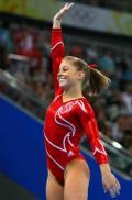 图文-中国体操首夺奥运女团冠军 肖恩约翰逊担大梁