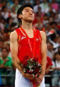 图文-奥运会蹦床男子个人决赛 陆春龙激动不已