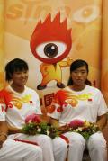 图文-奥运赛艇金牌组合做客新浪 奚爱华和张杨杨