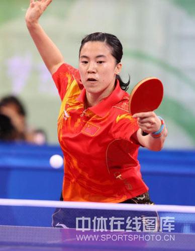 图文-乒乓球女团决赛上演 王楠显王者风范