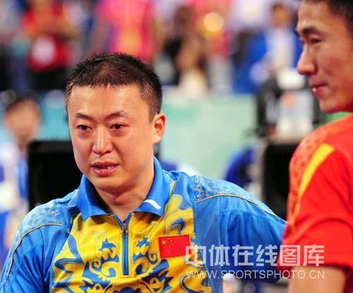 图文-中国乒乓球队夺得男子团体金牌 马林很激动