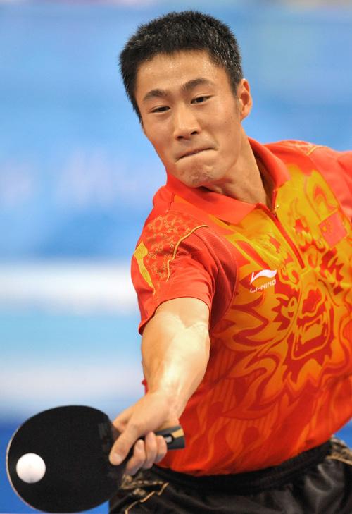 图文-[奥运]乒球男单第三轮 王励勤回球质量极高