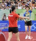 图文-[奥运]女子乒乓球决赛 张怡宁夺冠终于笑了