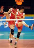 图文-中国男排进行适应性训练 焦帅边洪敏在训练