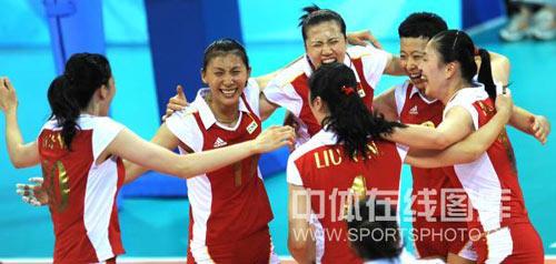 图文-女子排球中国胜俄罗斯 开始的夜晚