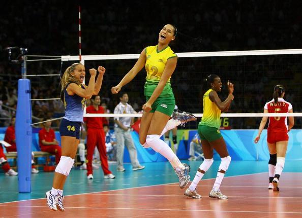 女排半决赛中国0-3巴西