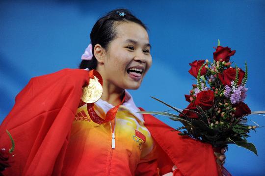 图文-陈燮霞为中国代表团捧得首金 笑容如此灿烂