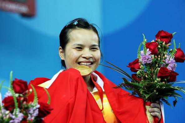 图文-陈燮霞摘北京奥运中国首金 幸福像花儿一样