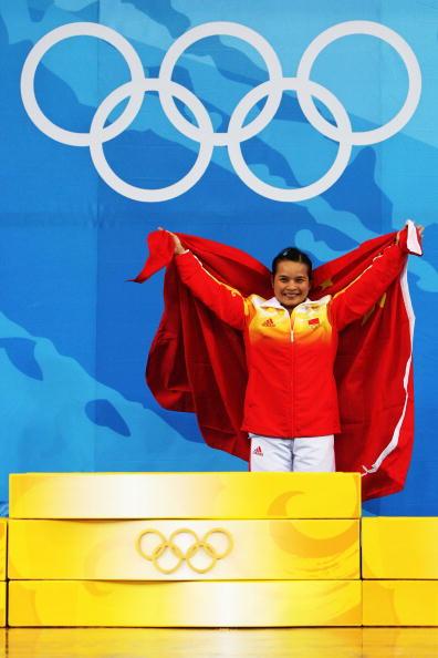 图文-陈燮霞摘北京奥运中国首金 她是中国的骄傲