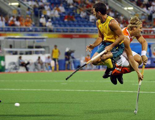 图文-奥运曲棍球精彩瞬间回顾 动作如此一致
