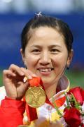 图文-中国金牌英雄榜 第21金:射箭个人赛张娟娟