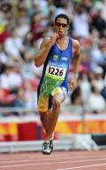 图文-奥运会男子400米预赛 阿尔梅达奋力加速
