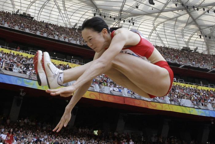 图文-奥运女子三级跳远决赛展开 手脚合一