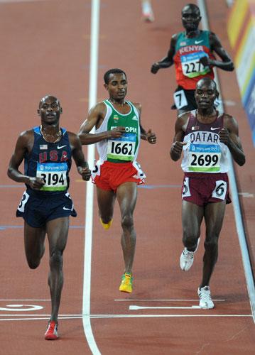 图文-奥运会男子5000米预赛 美国的拉加特甩开对手