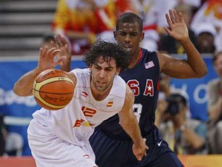 图文-奥运男篮决赛美国vs西班牙 失去了控球权
