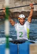 图文-男子单人皮艇决赛 格林庆祝获胜
