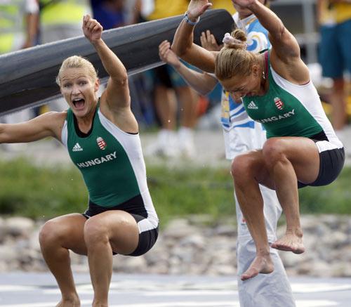 图文-女子双人皮艇500米决赛 这是胜利的喜悦