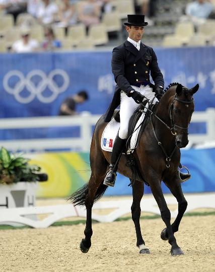 图文-马术盛装舞步第二天比赛 法国选手让-雷诺