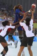图文-女手法国32-21胜安哥拉