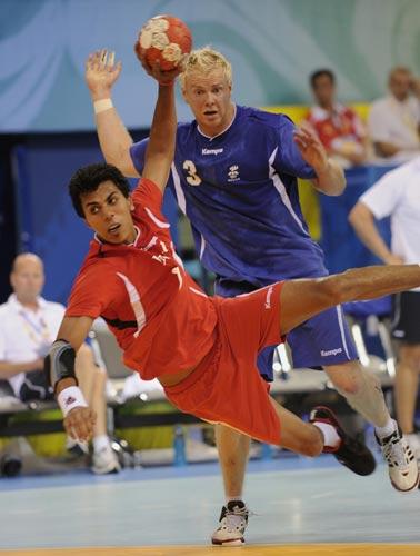 图文-男女手球预赛继续开战 埃及队进球