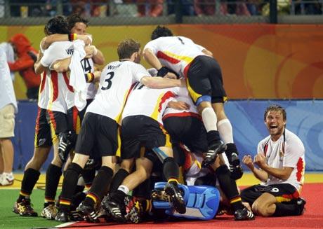 图文-男曲半决赛德国队晋级 让里面的人透透气