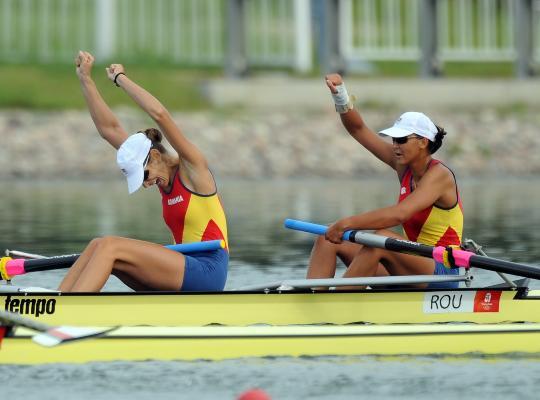 图文-奥运会赛艇经典瞬间回顾 罗马尼亚组合夺冠