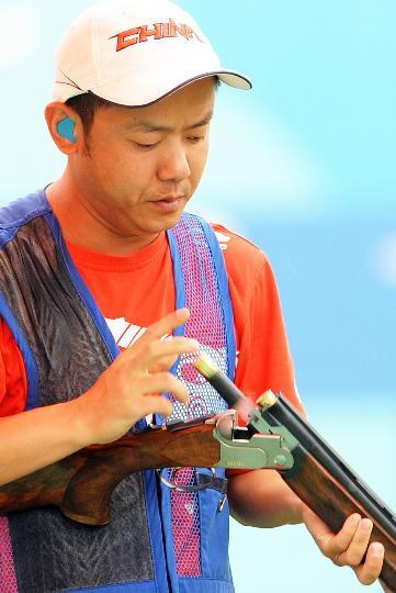 图文-中国选手李亚军无缘决赛 装上子弹