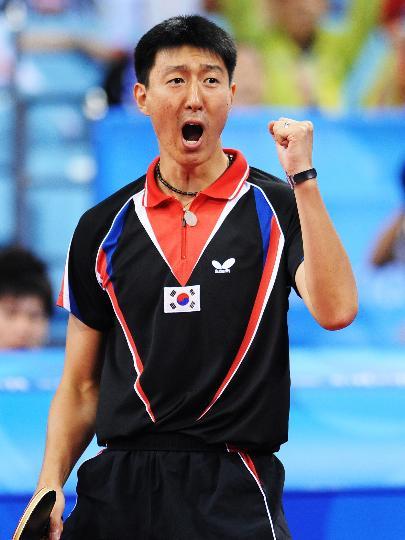 图文-奥运乒乓球韩国队获男团铜牌 吴尚垠接近胜利