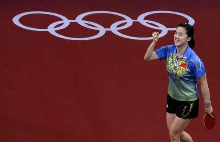 图文-奥运女乒单打老将王楠进决赛 姜还是老的辣