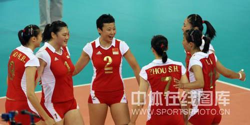图文-[奥运]中国女排VS古巴女排 姑娘们一鼓作气