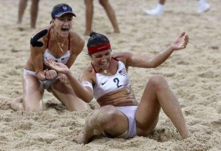 图文-女子沙滩排球决赛中国0-2美国 获胜如此兴奋