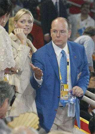 图文-开幕式上的美丽王妃 摩纳哥王子与朋友