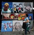 图文-奥运北京街头众生相 街头艺术品