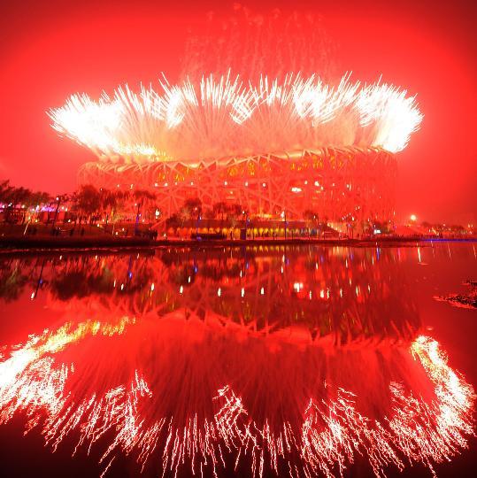图文-北京奥运会开幕式回顾 鸟巢体育场璀璨烟花
