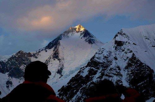 图文-迦舒布鲁姆I峰攀登全记录 巅峰上的美丽夕阳