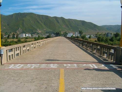 延吉市著名景点图们中朝边界:国门标志图们江大桥