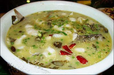 重庆美食:水煮鱼肉鲜味美原汁原味 麻辣咸鲜酸菜鱼