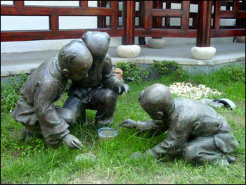 北京文化民俗之斗蛐蛐儿:秋分时节开始 玩物不丧志 (2)
