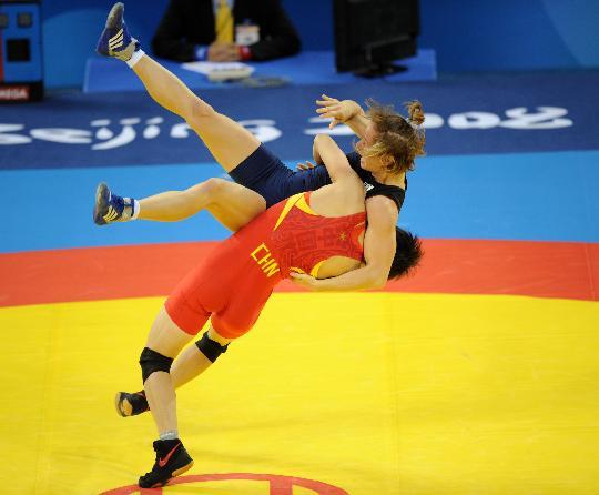 图文-奥运会自由式摔跤回顾 许莉展示过人实力
